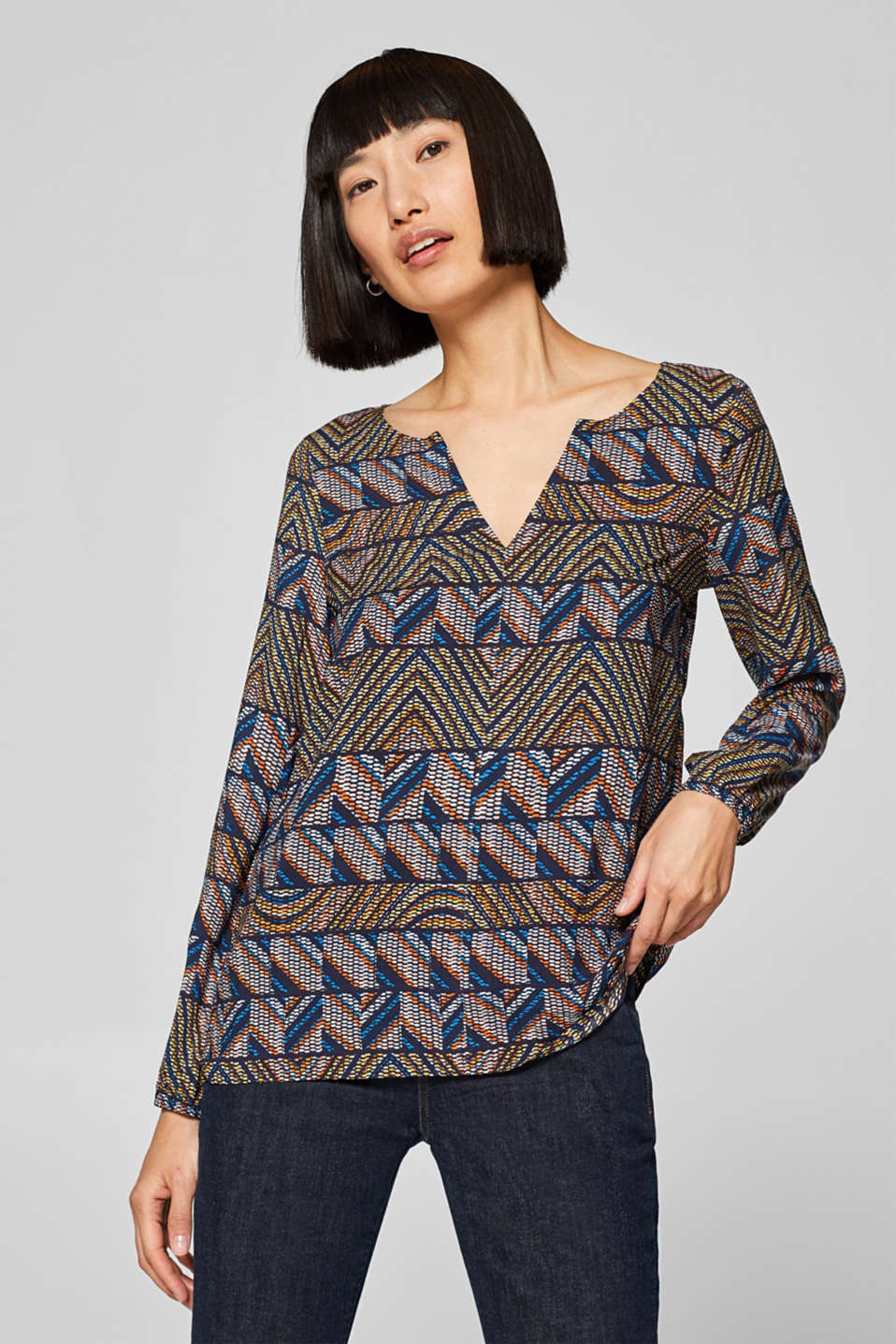 Tunic blouse with a graphic print