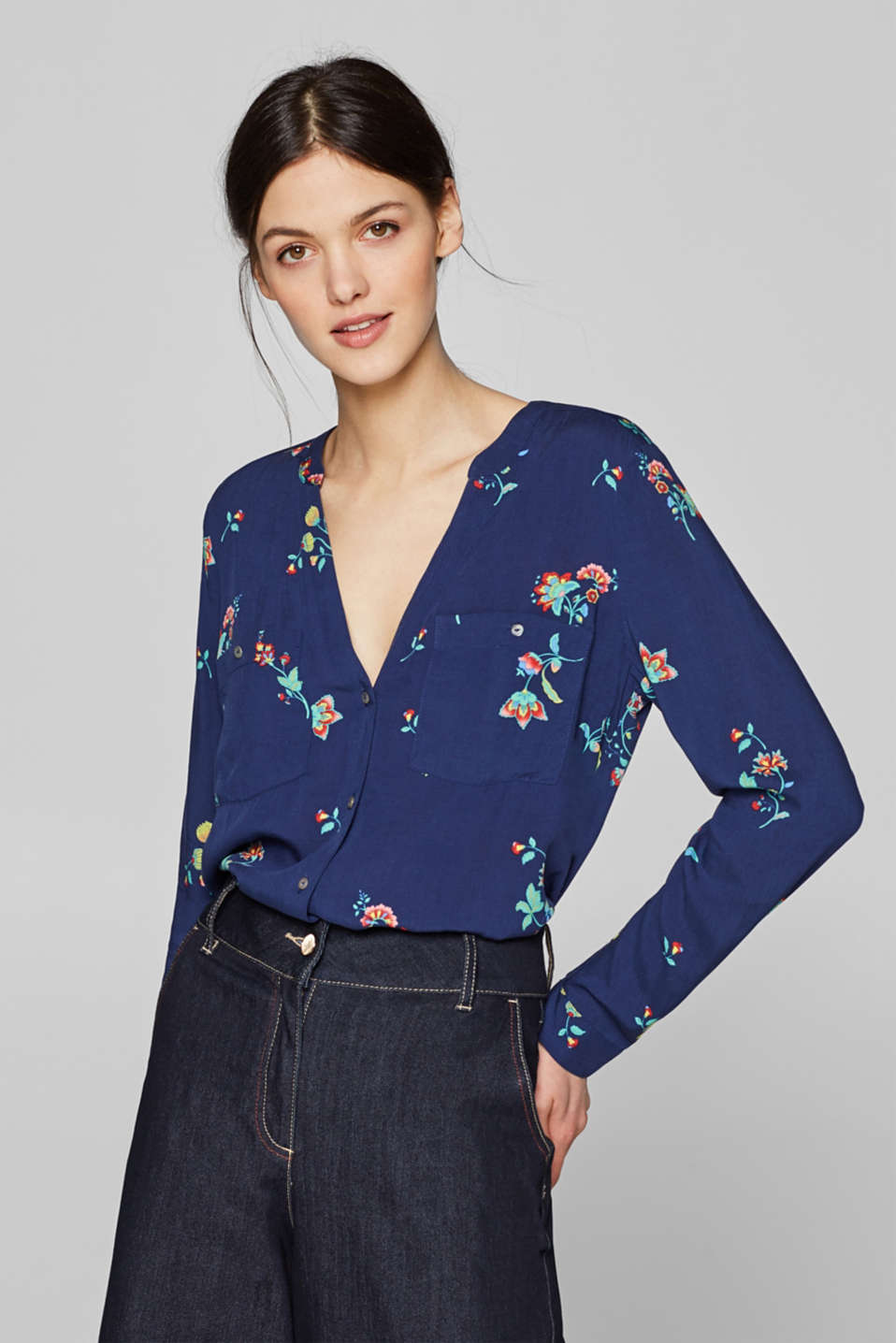 Henley blouse with a pattern mix