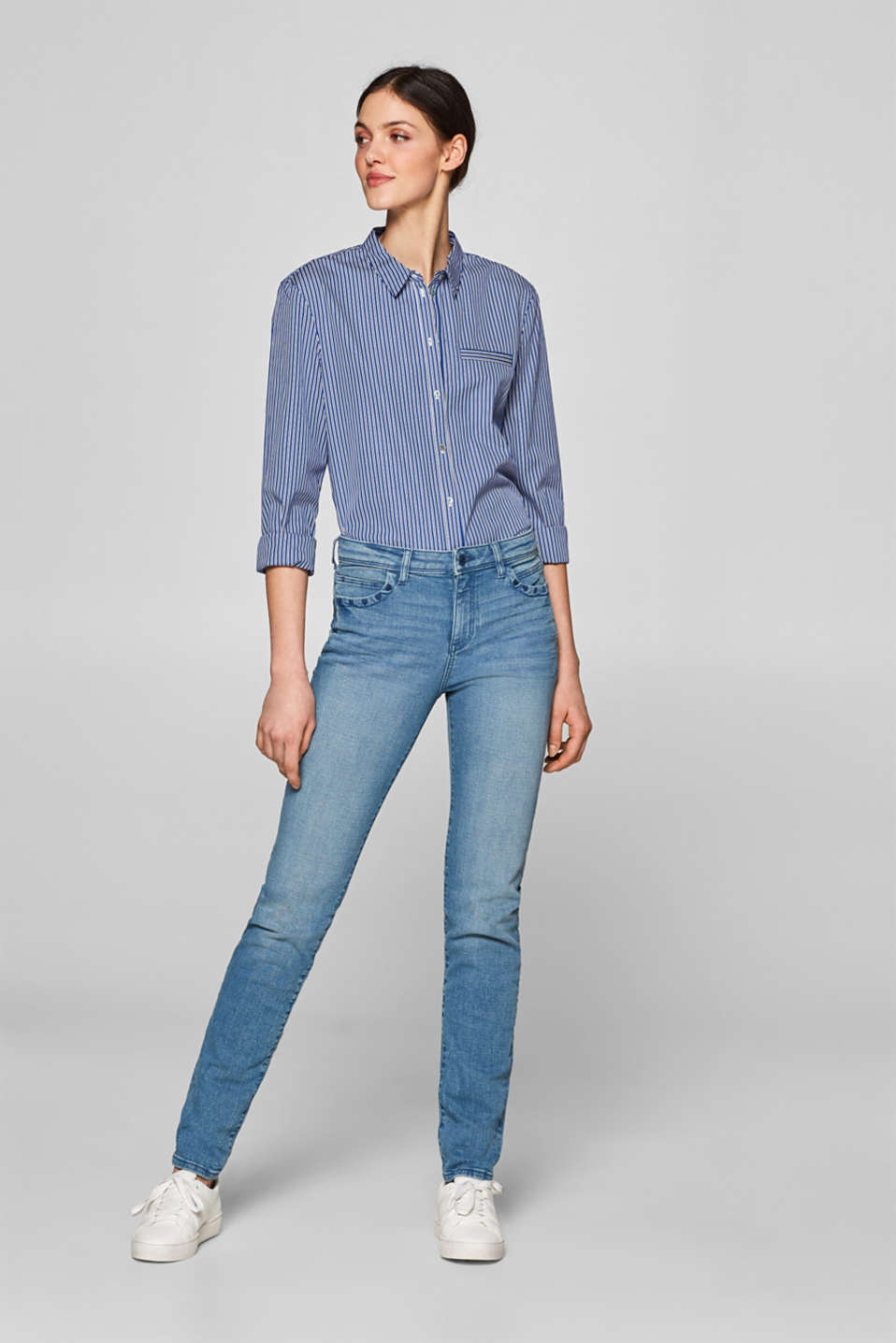 Esprit - Stretch-Jeans mit Herz-Stickerei