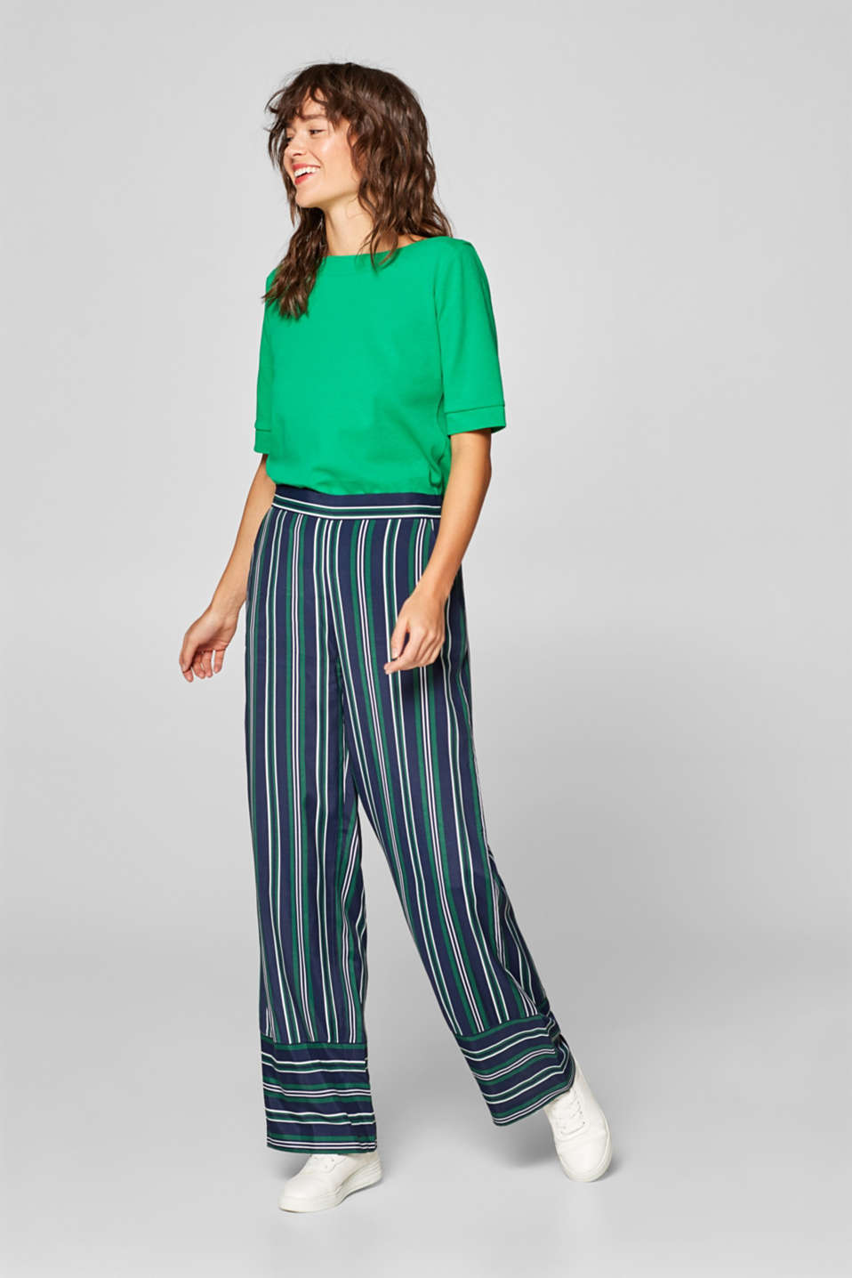 Esprit - Wide cloth trousers with a striped pattern