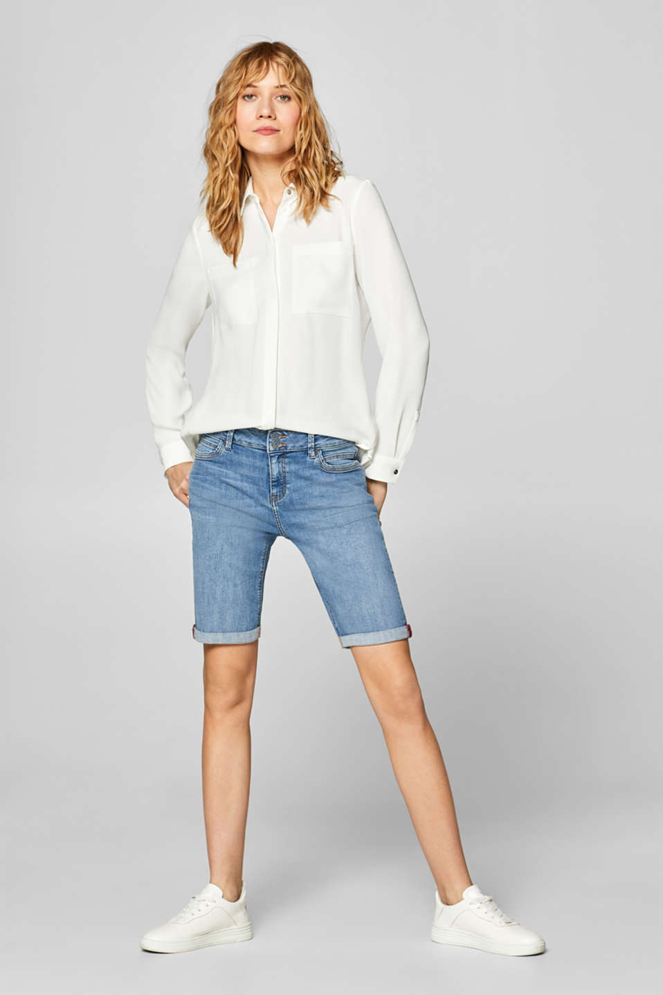 Esprit - Stretch denim Bermudas with a two-button fastening