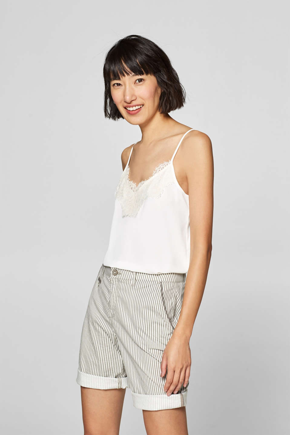 Esprit - Striped shorts made of stretch cotton
