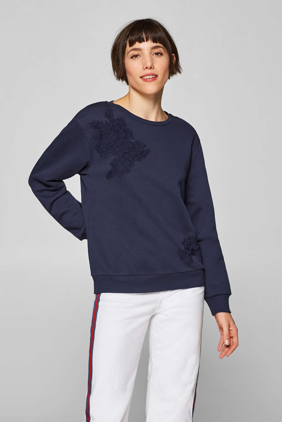 Esprit - Sweatshirt with appliquéd flowers