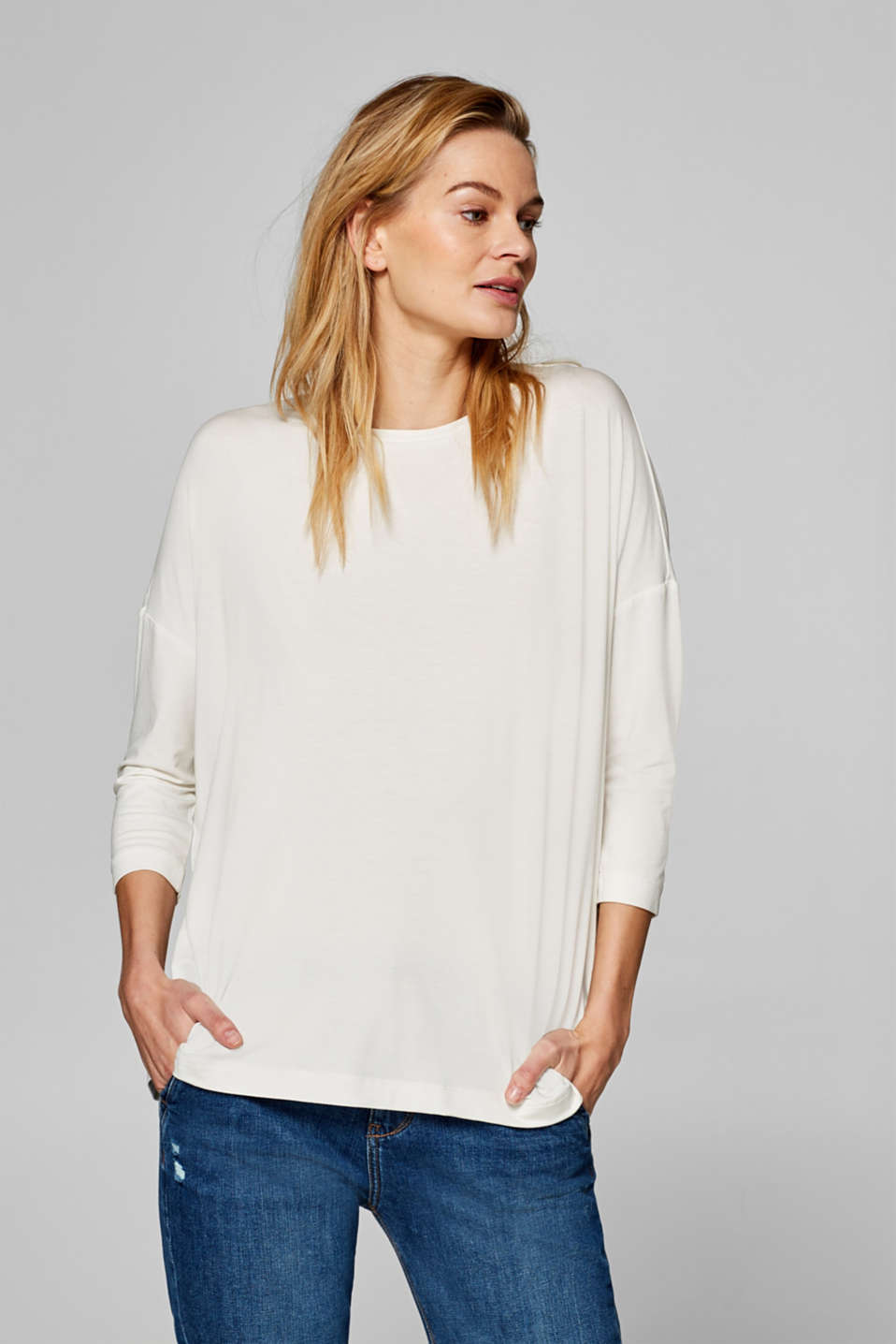 Esprit - Oversized long sleeve top, LENZING™ ECOVERO™