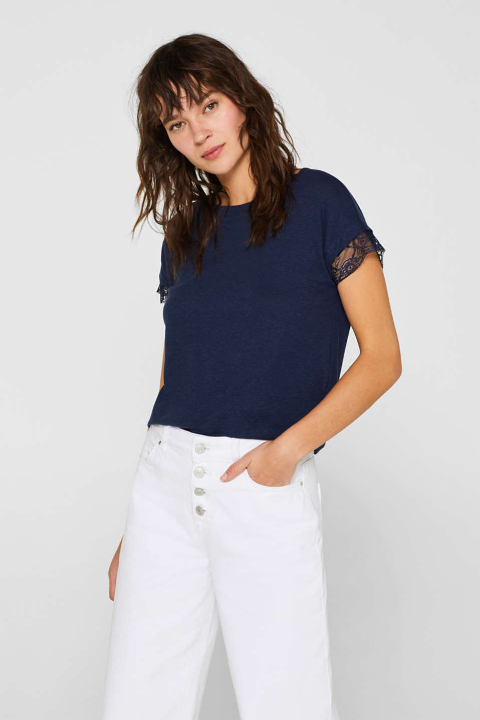 Esprit - Linen blend: top with lace trim