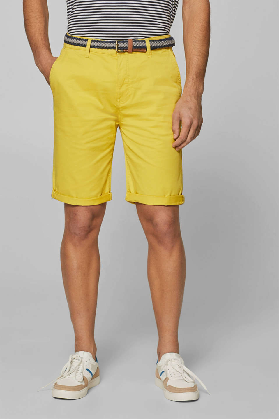Esprit - Chino shorts in stretch cotton