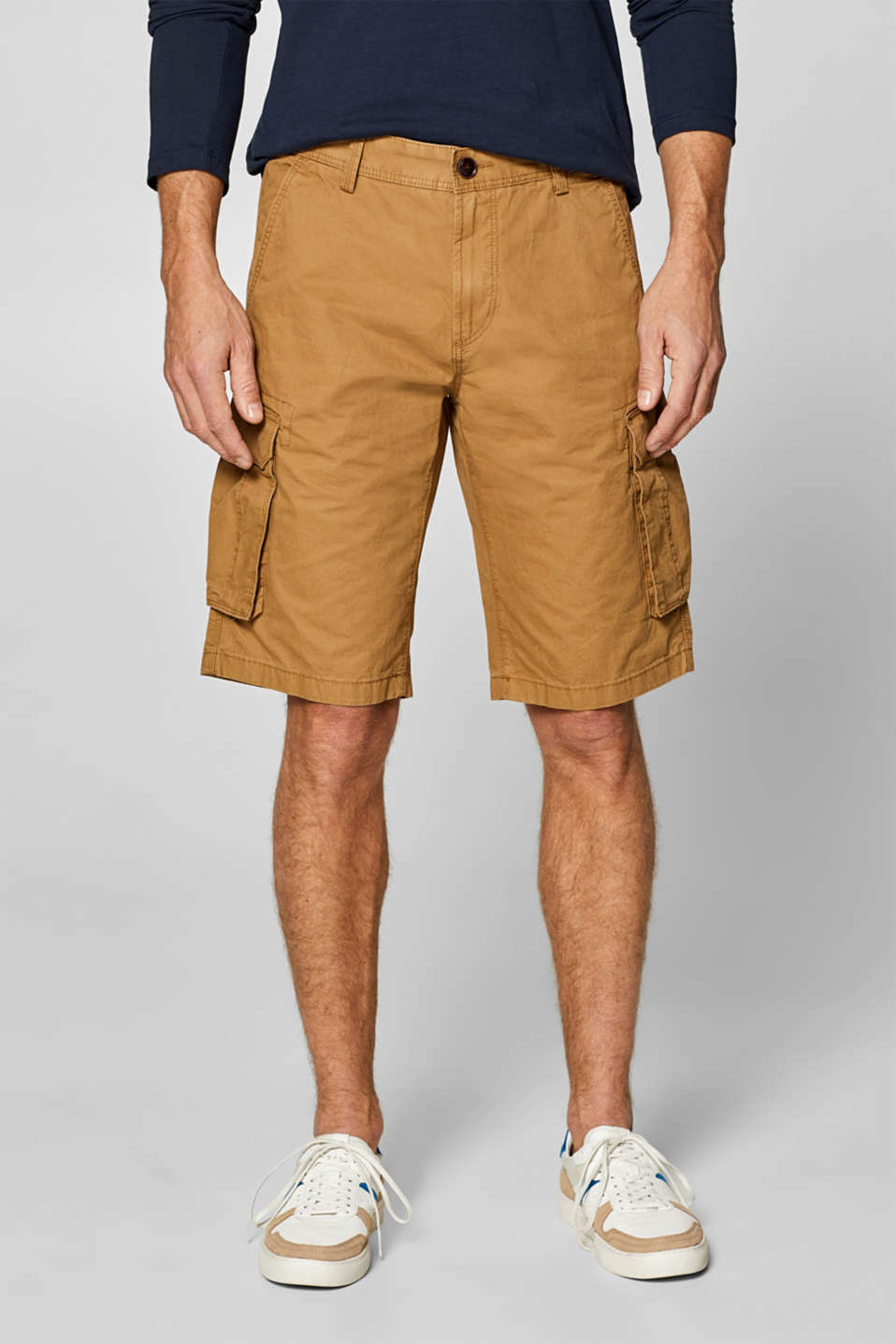 Esprit - Cargo shorts with organic cotton