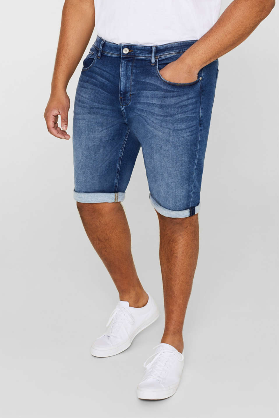 Esprit - Short en matière jogging super stretch d'aspect jean
