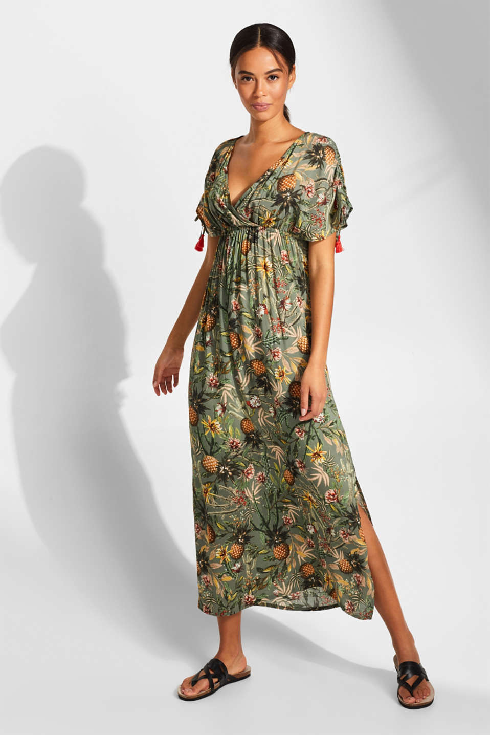 Esprit - Maxi dress with tassels and a print