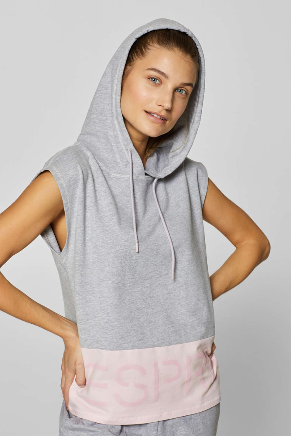 Esprit - Sleeveless hoodie with a rubberised logo print