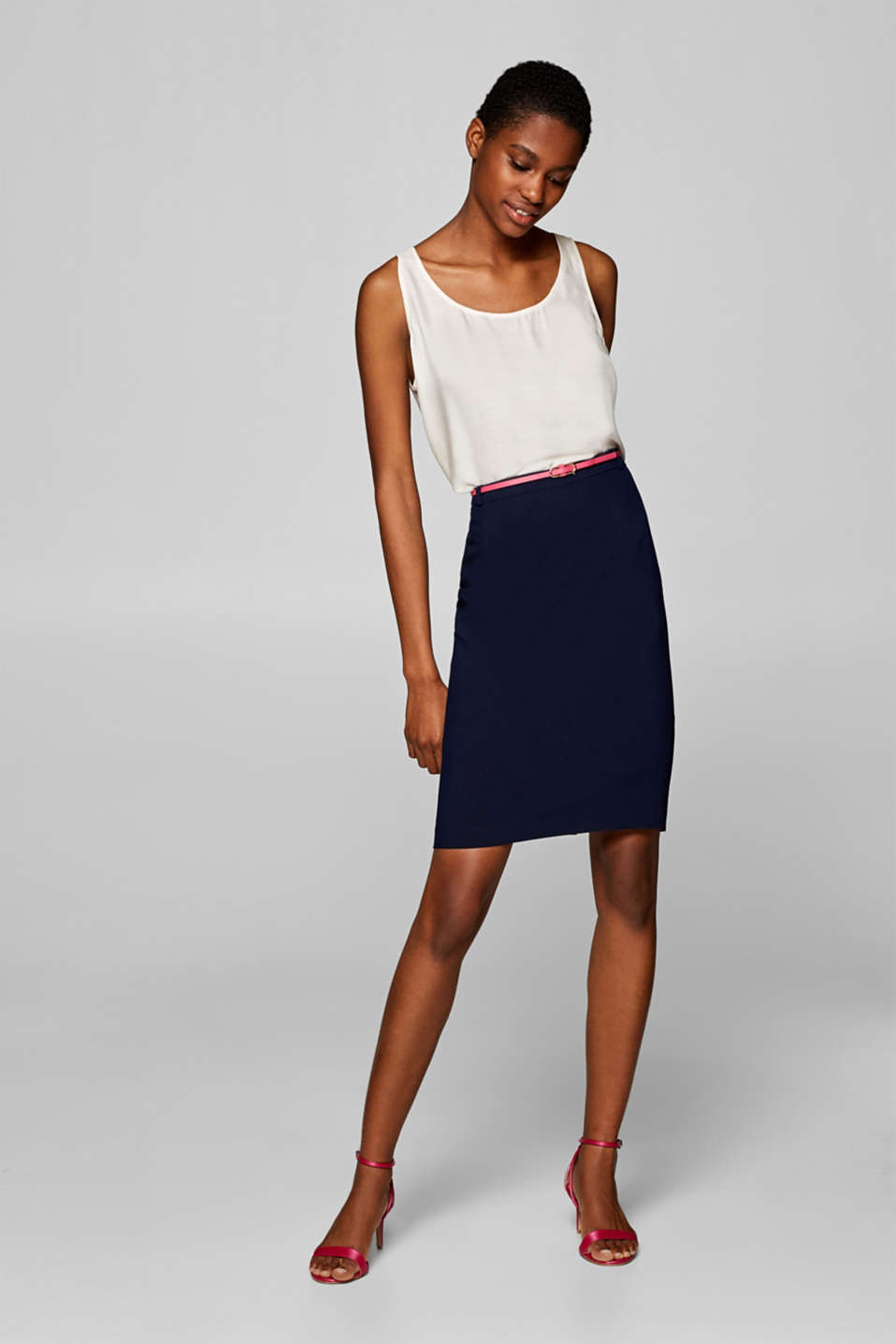 Esprit - Pencil skirt with stretch and a belt