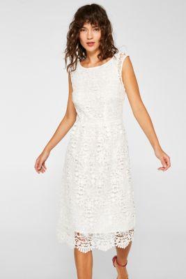 bc3a886cd39f Blomstret blondestof i halvfjerdserstil giver denne kjole med vidde i  nederdelen et piget touch! spv-main-image-thumb-alt