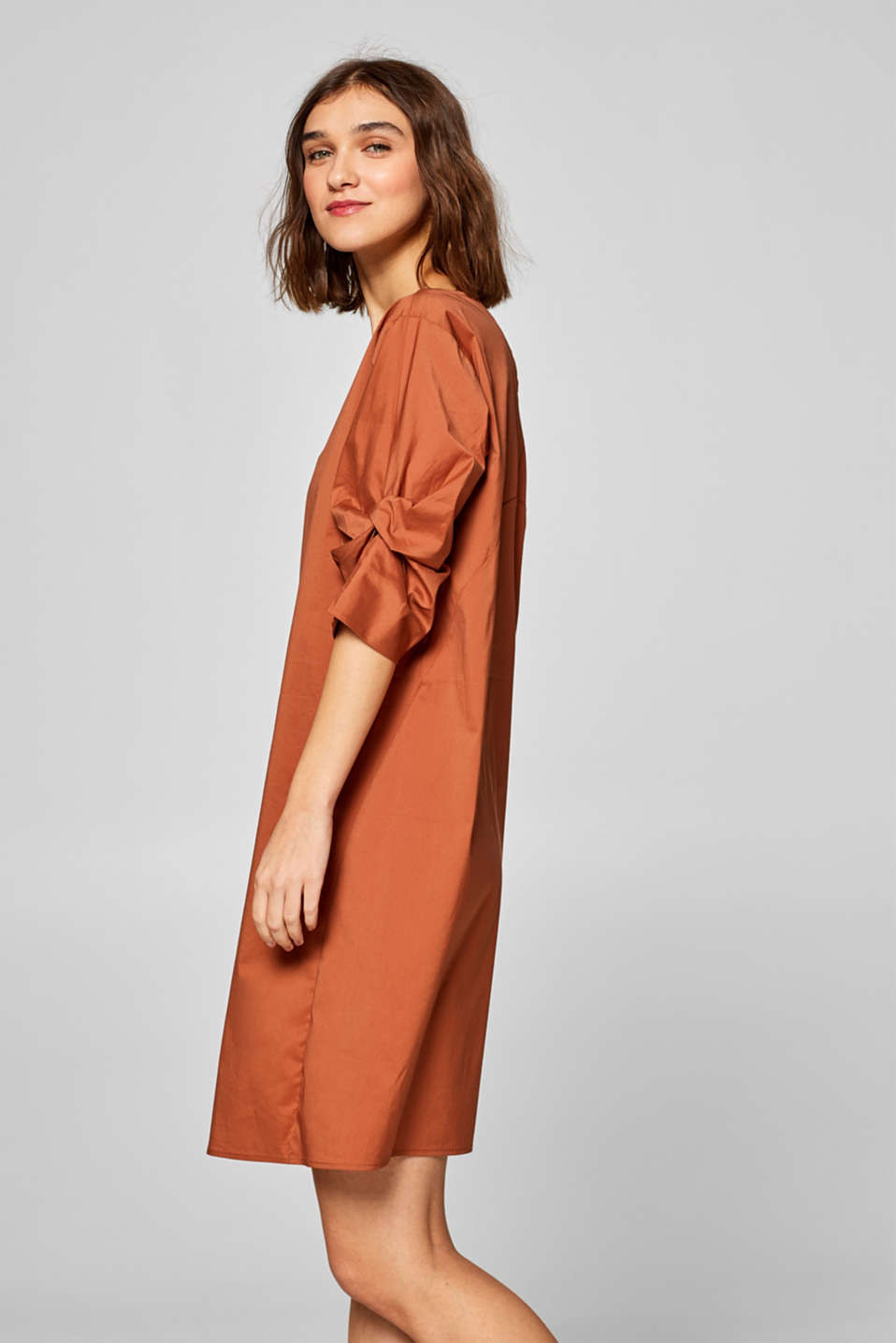 Poplin dress with draped sleeves