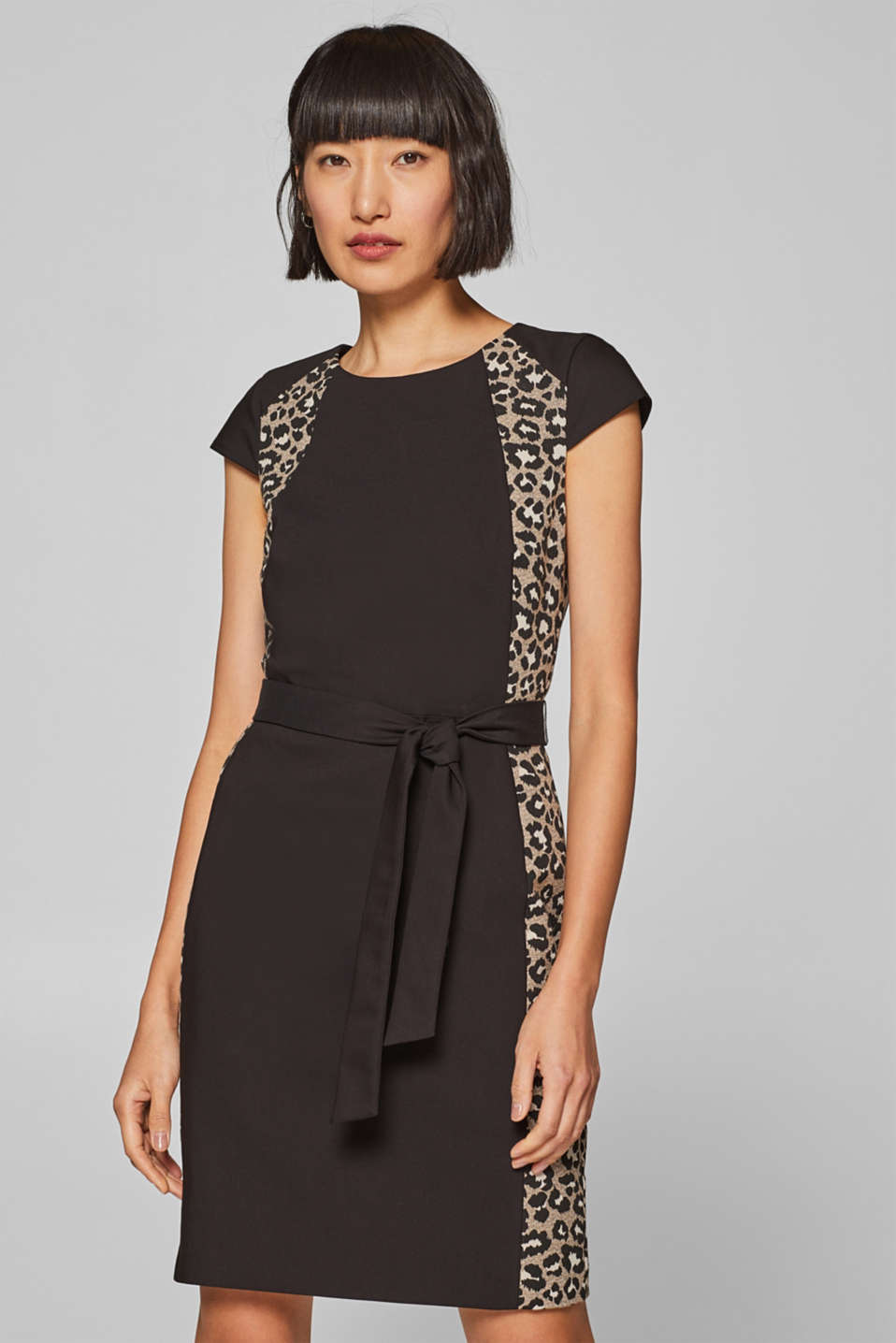 Esprit - Stretch dress with leopard print inserts and a belt