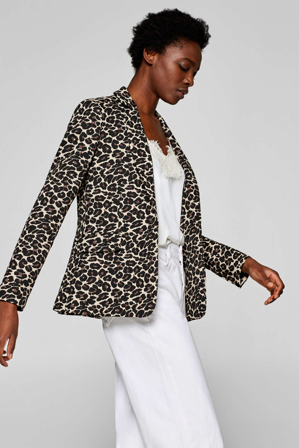 Esprit - Textured stretch blazer with a leopard print