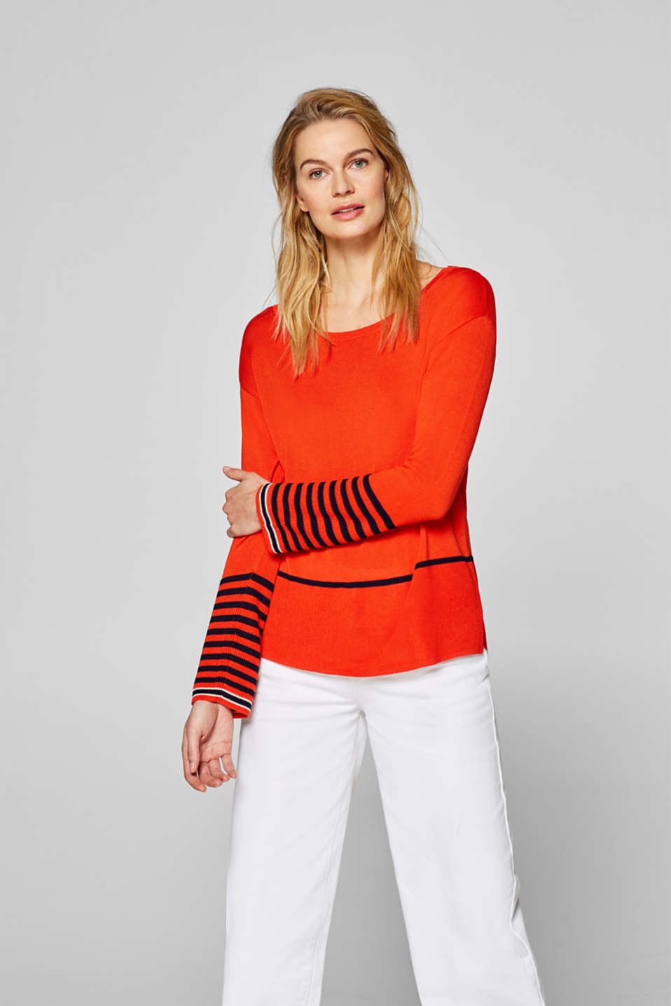 Esprit - Fine knit jumper with a striped pattern