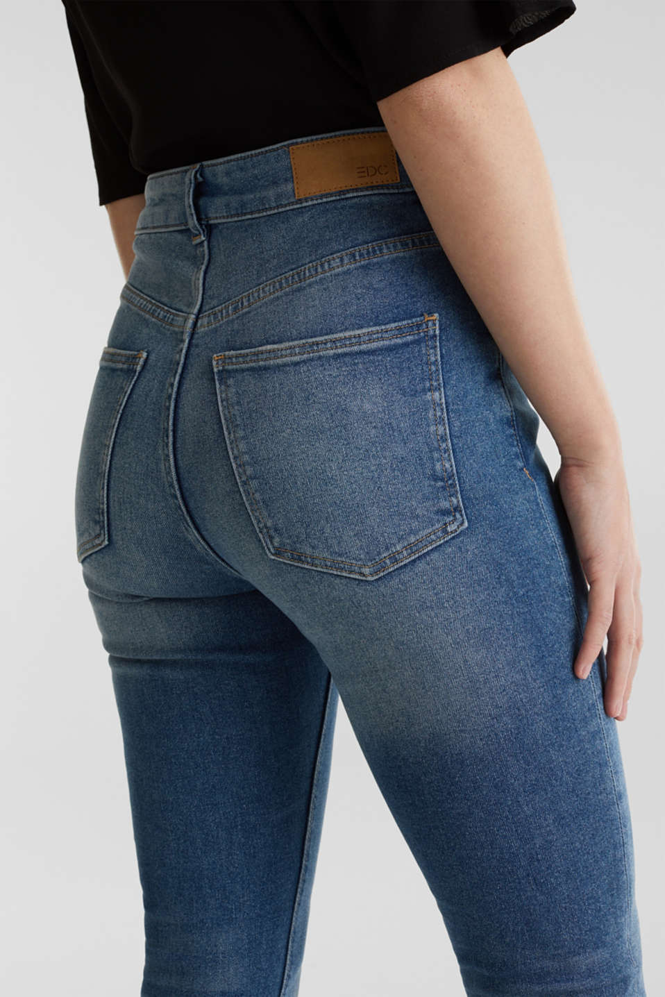 Jeans with an extra high rise waistband, BLUE MEDIUM WASH, detail image number 5