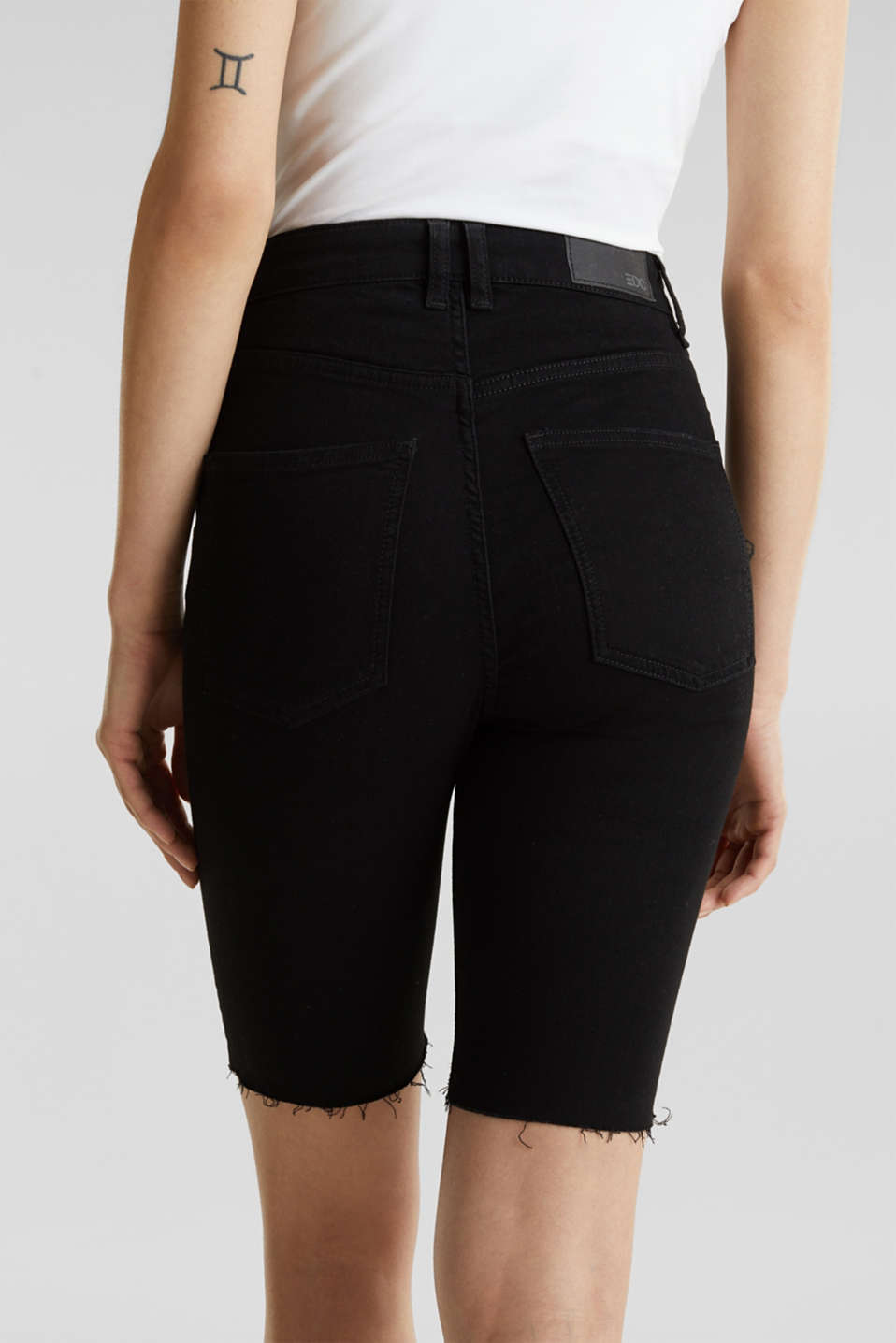 Super stretch Bermudas with a high waistband, BLACK RINSE, detail image number 5