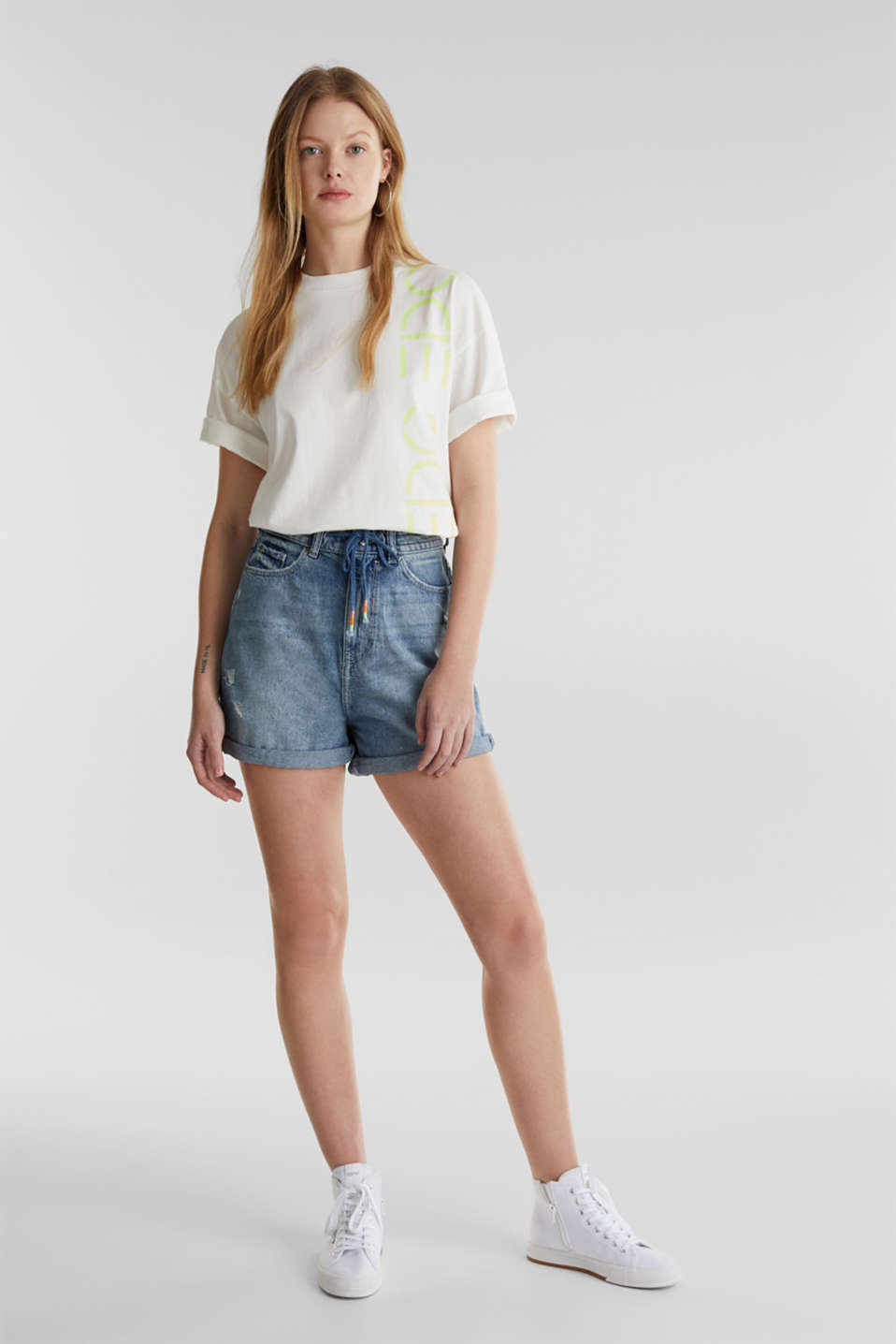 High-waisted denim shorts, BLUE LIGHT WASH, detail image number 1