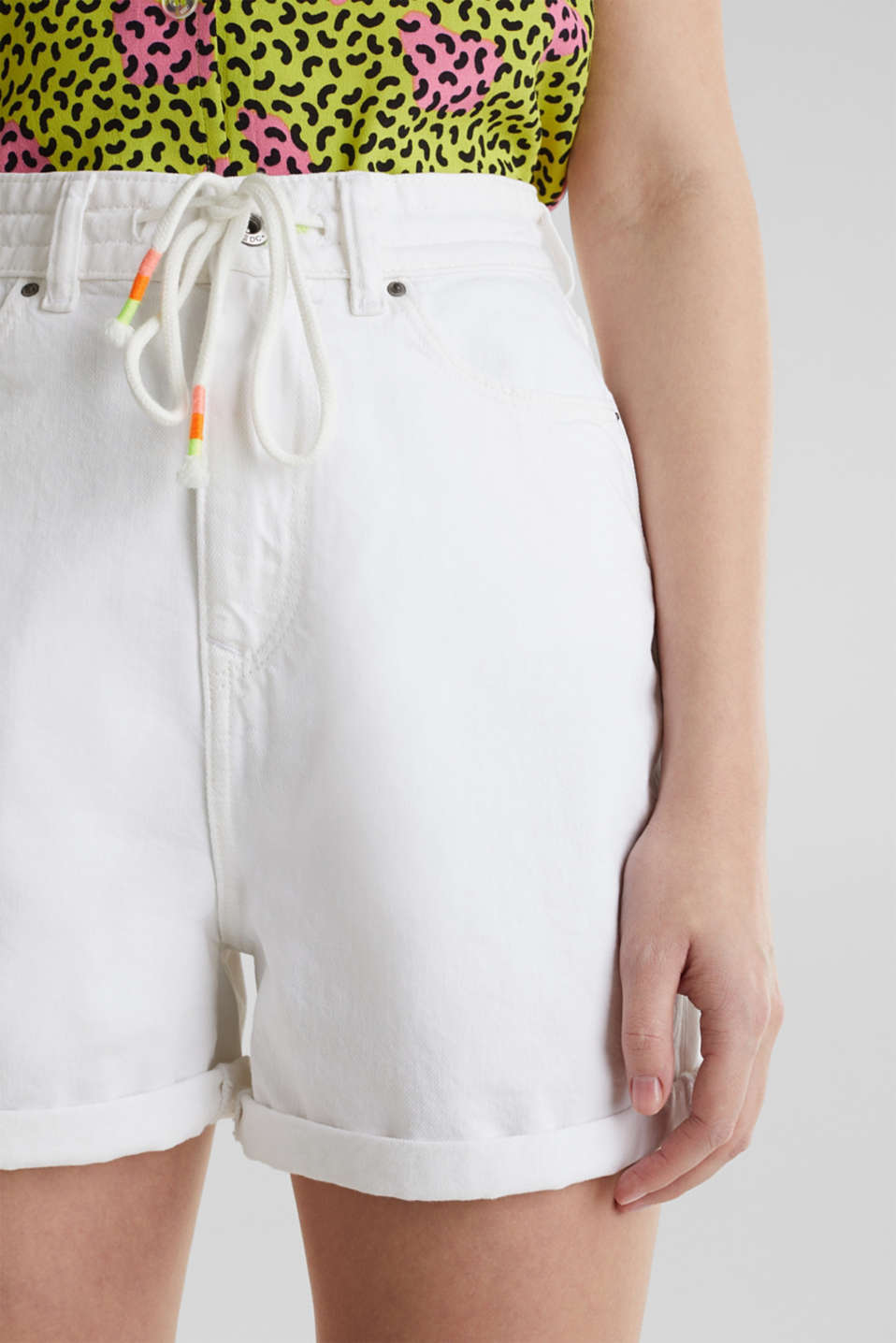 High-waisted denim shorts, WHITE, detail image number 2