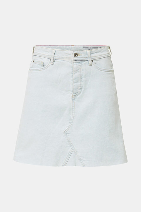 Denim skirt with a frayed hem