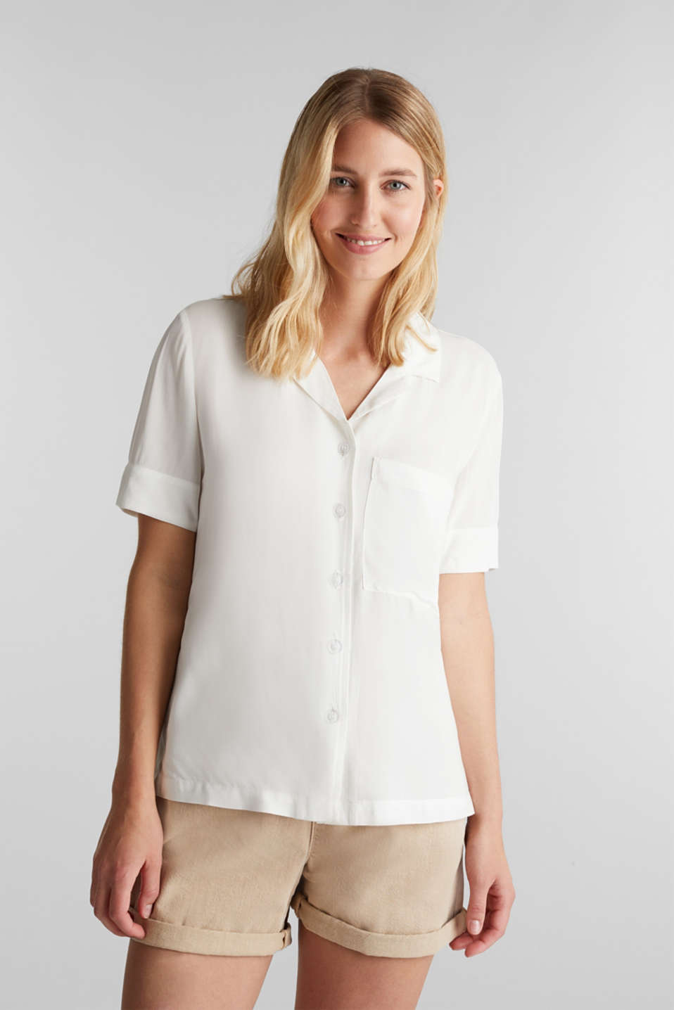 Blouse made of LENZING™ ECOVERO™, OFF WHITE, detail image number 0
