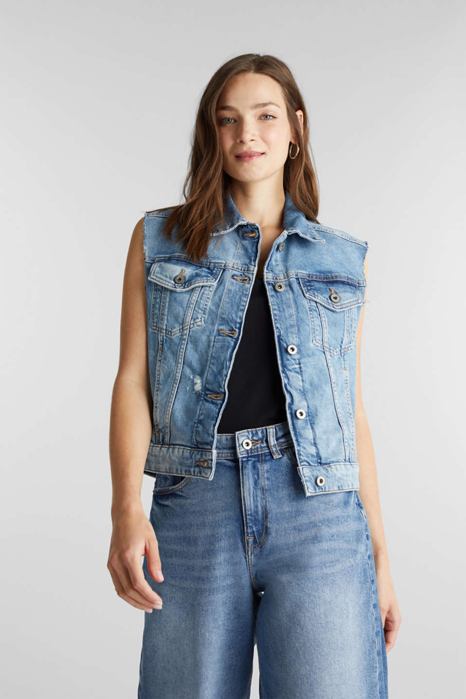 edc - Denim gilet van organic cotton
