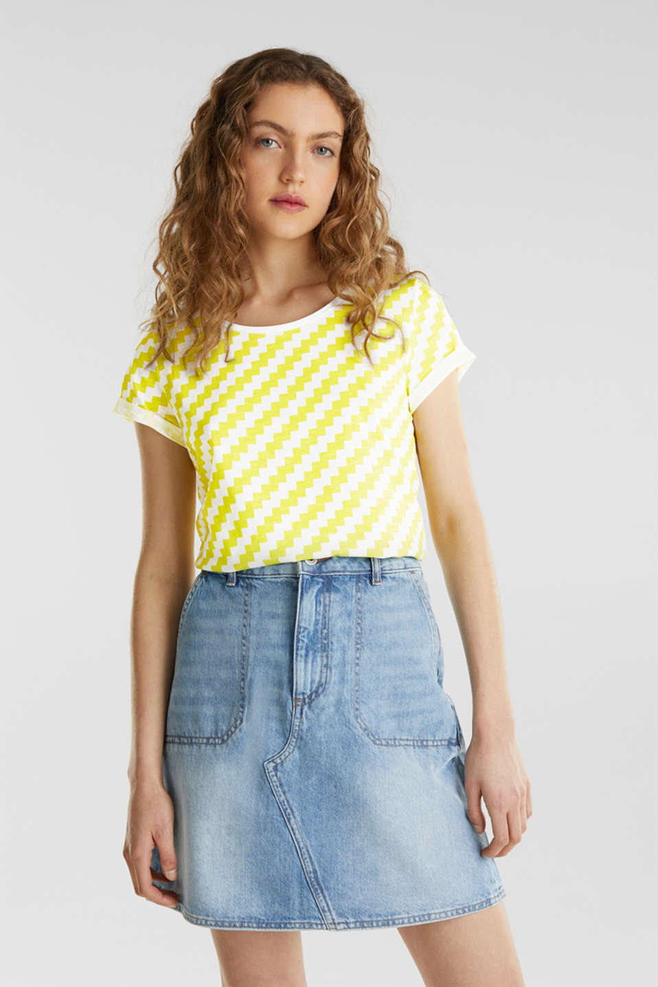100% cotton T-shirt containing organic cotton, YELLOW, detail image number 0