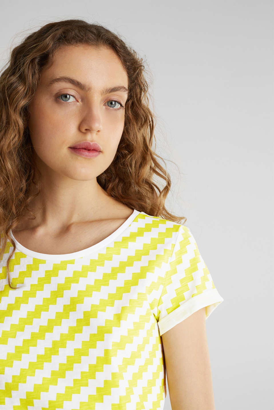 100% cotton T-shirt containing organic cotton, YELLOW, detail image number 2