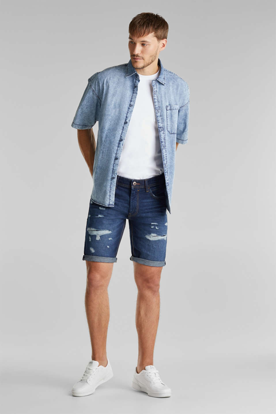 Denim shorts with a vintage finish, BLUE DARK WASH, detail image number 1