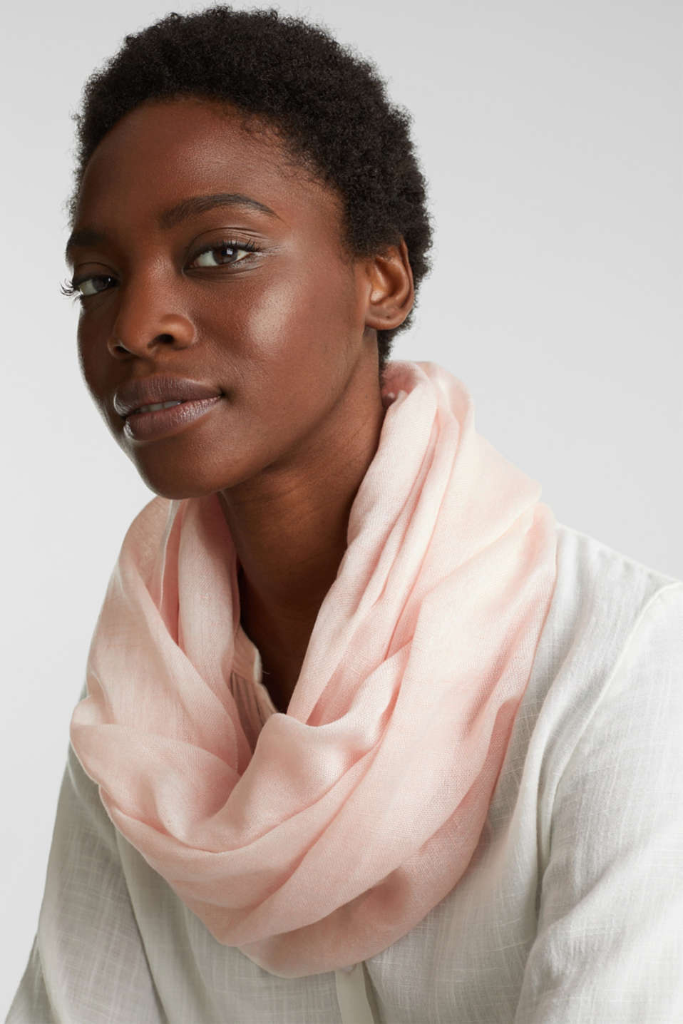 Linen blend: snood with fine texture, PEACH, detail image number 1