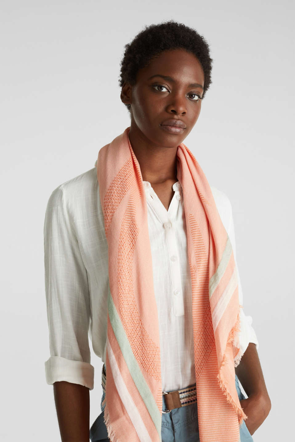 Scarf with stripes and an interwoven logo, RUST ORANGE, detail image number 1