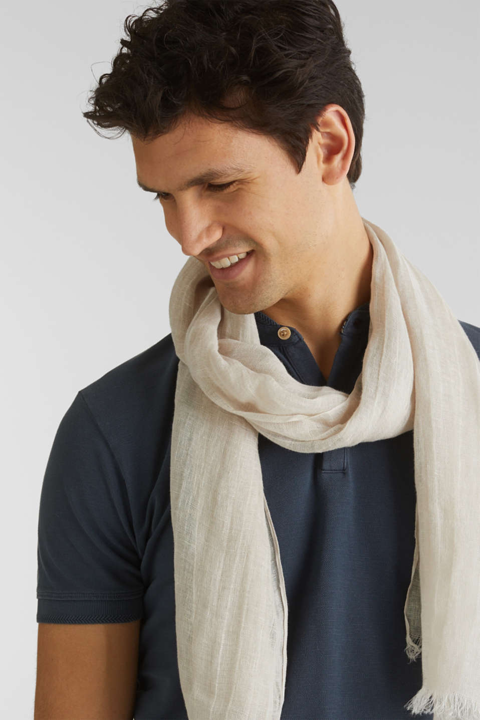 Woven scarf in 100% linen, LIGHT BEIGE, detail image number 1