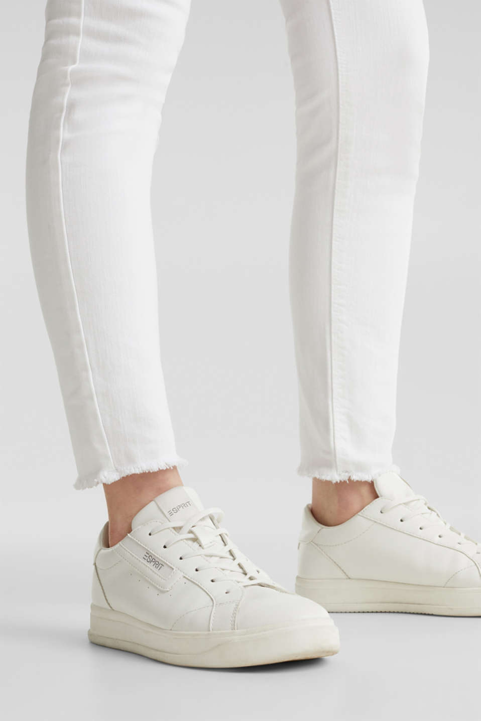Ankle-length jeans with frayed leg openings, WHITE, detail image number 5