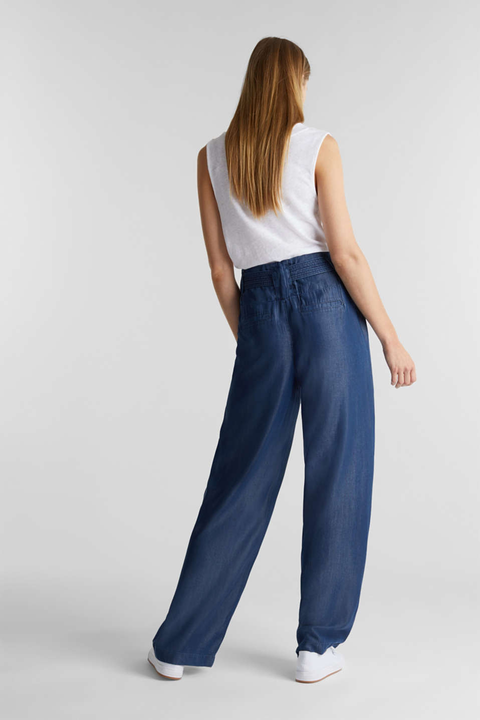 Made of TENCEL™: Trousers in a denim look, BLUE DARK WASH, detail image number 3