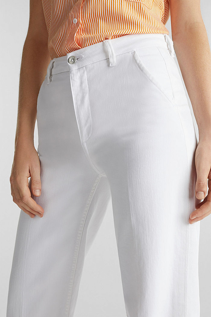 Wide-leg jeans containing Lycra®