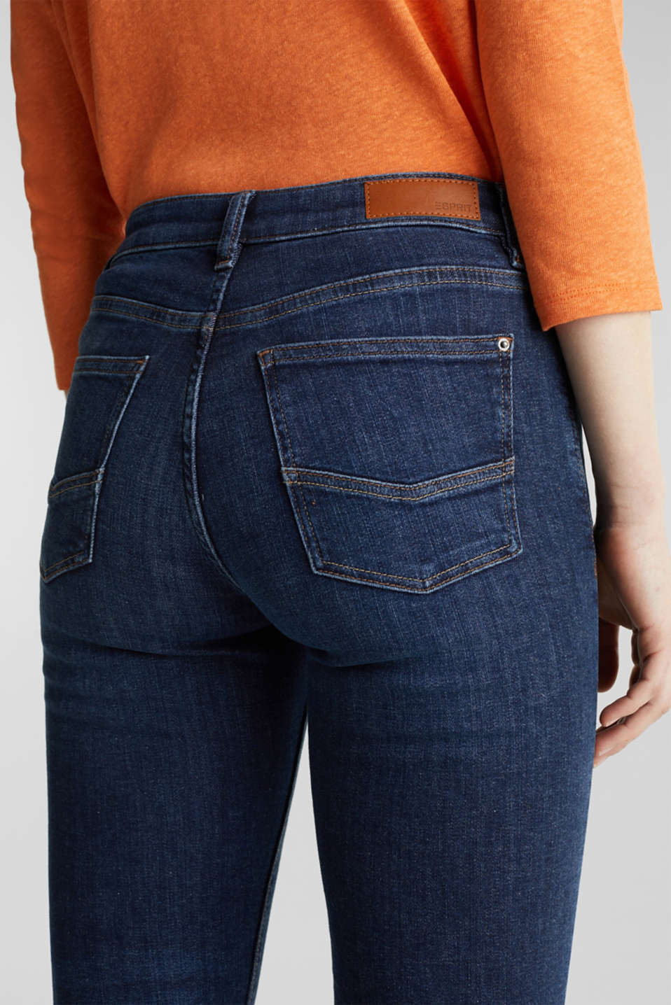 Basic jeans with organic cotton, BLUE DARK WASH, detail image number 4