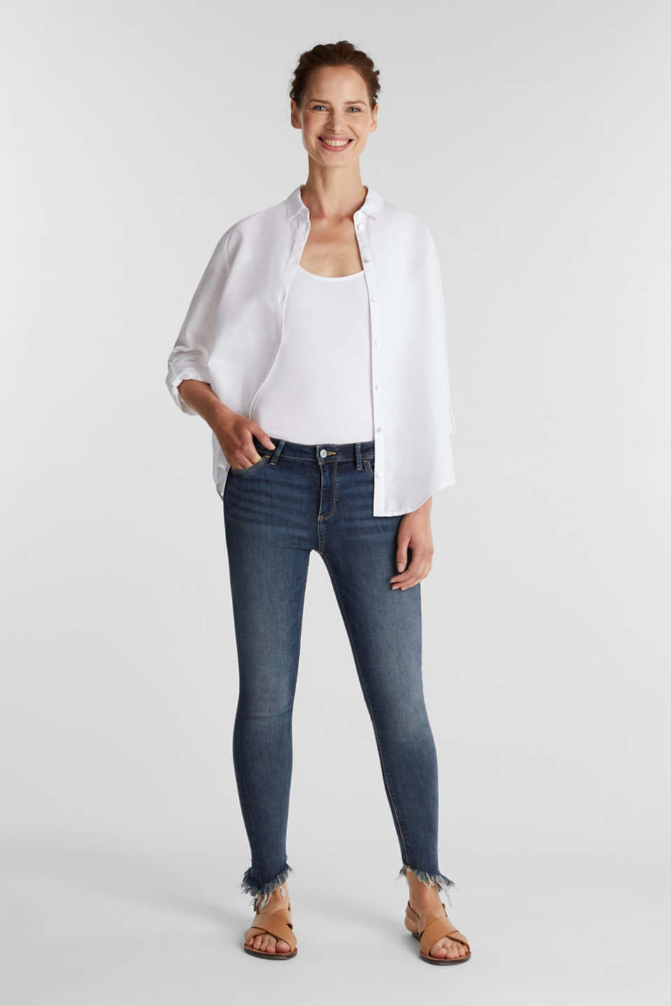 Stretch jeans with frayed hems, BLUE MEDIUM WASH, detail image number 1