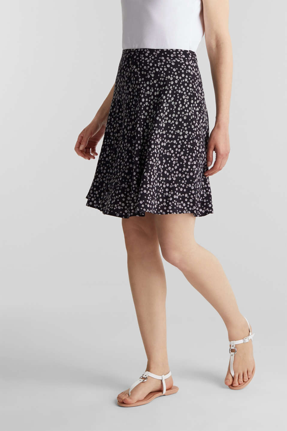 Printed skirt made of LENZING™ ECOVERO™, NAVY 4, detail image number 5