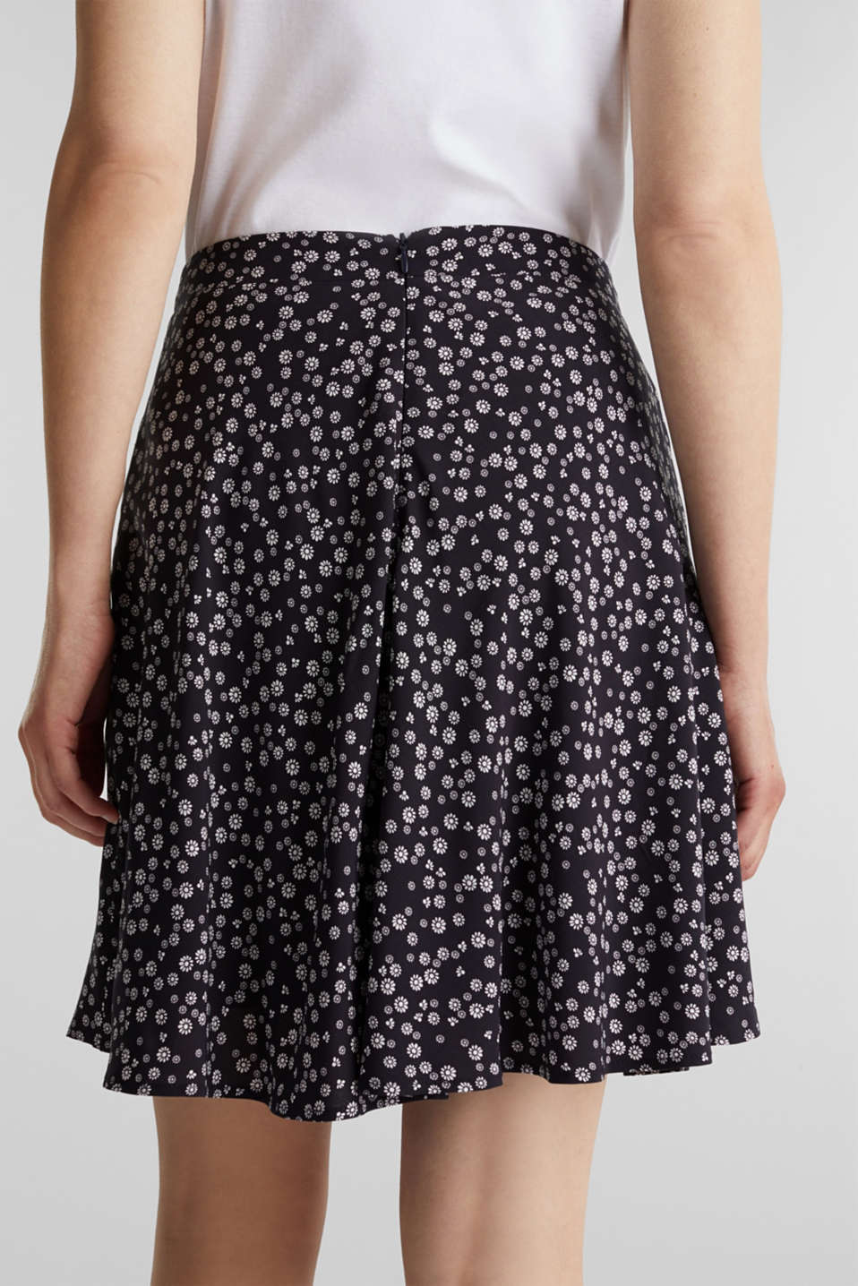 Printed skirt made of LENZING™ ECOVERO™, NAVY 4, detail image number 4