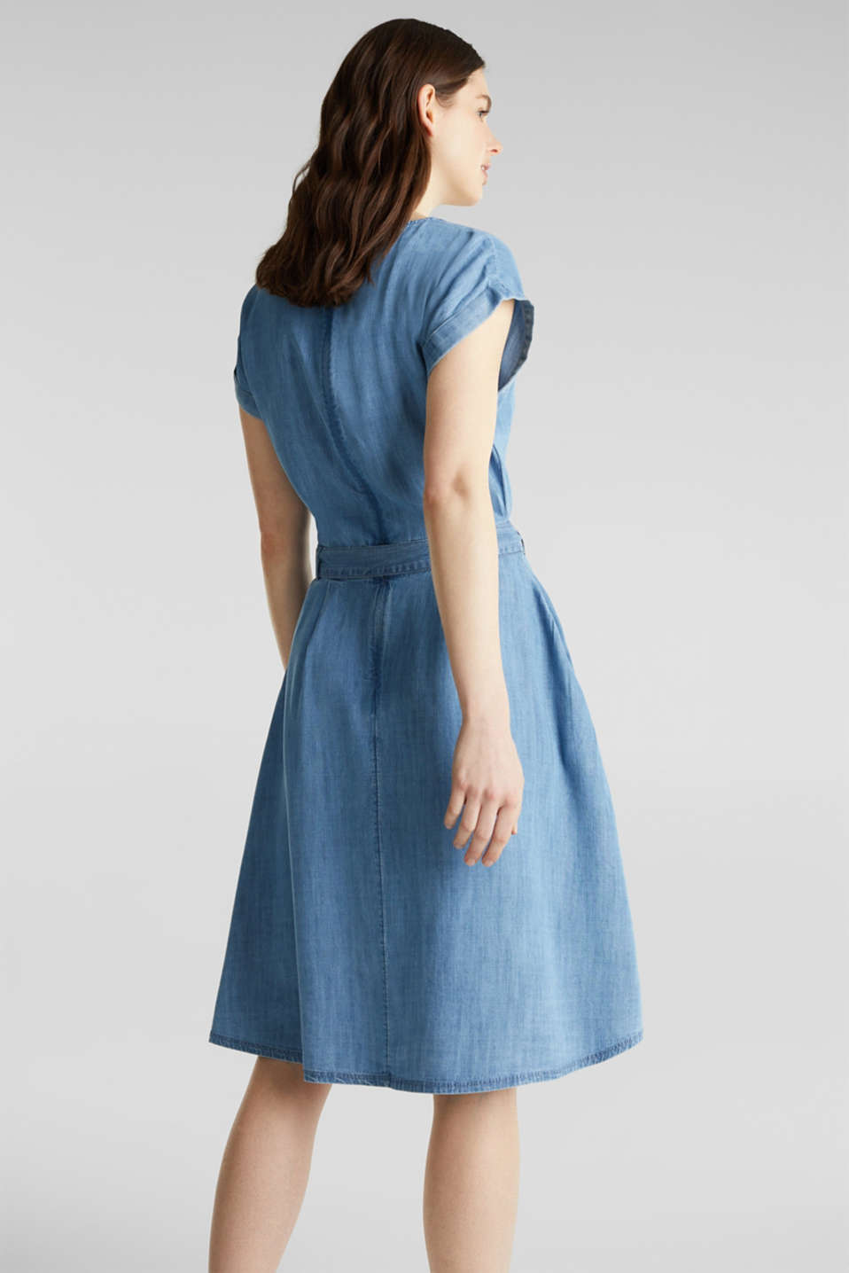 TENCEL™ denim dress with a belt, BLUE LIGHT WASH, detail image number 2