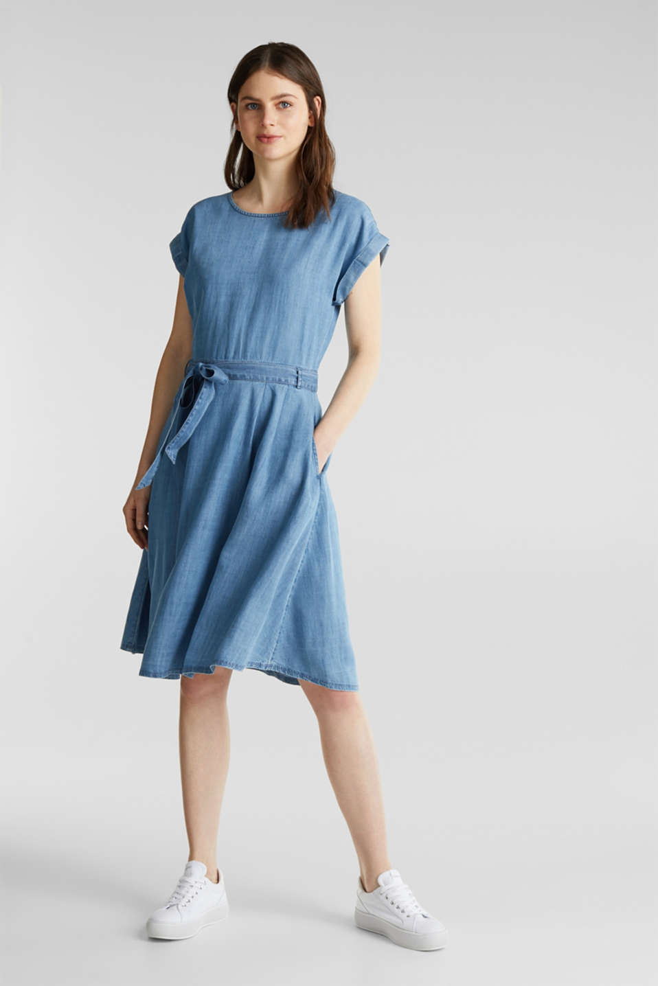 TENCEL™ denim dress with a belt, BLUE LIGHT WASH, detail image number 1