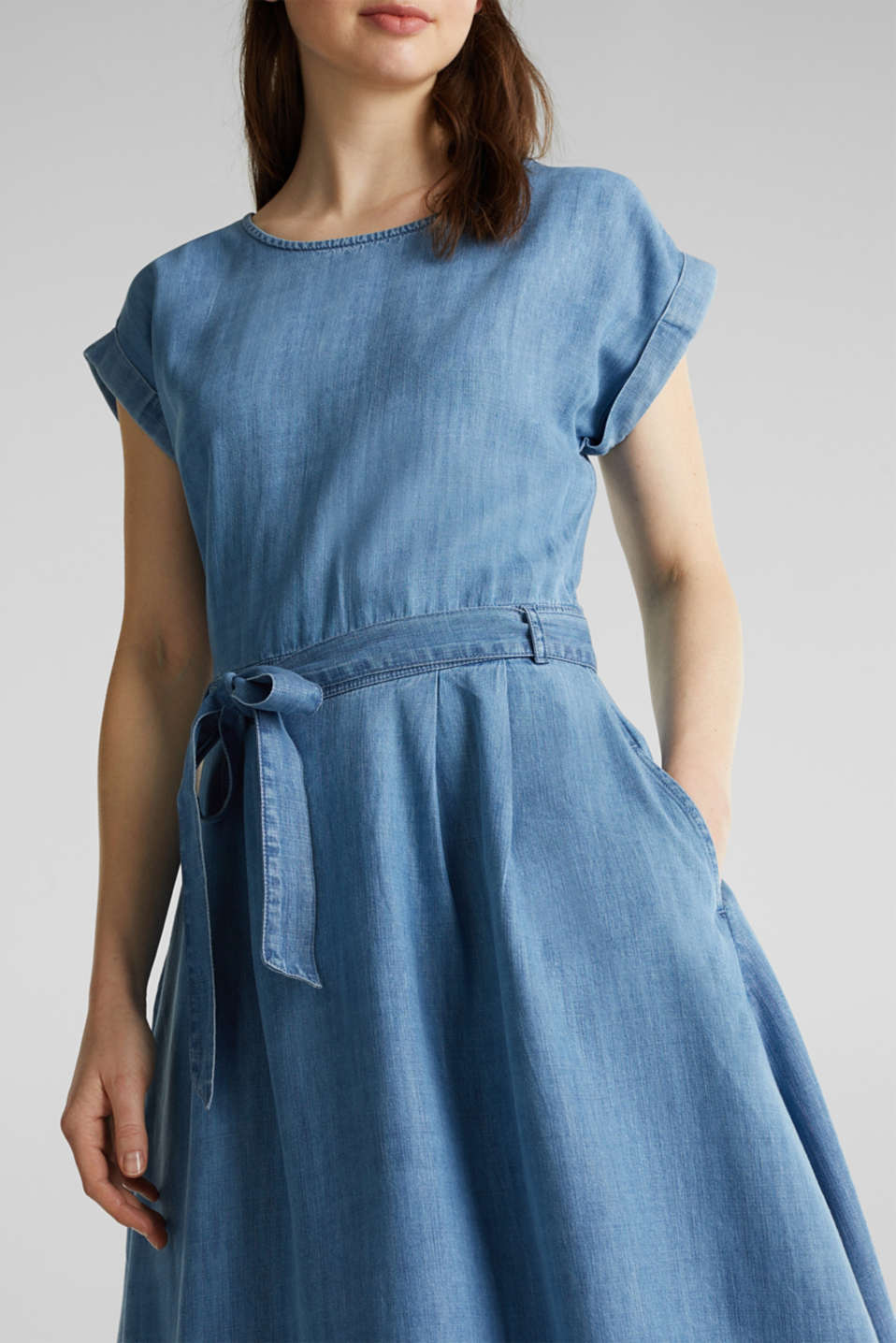 TENCEL™ denim dress with a belt, BLUE LIGHT WASH, detail image number 3