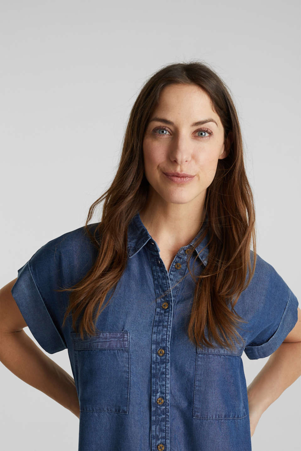 Made of TENCEL™: Blouse with pockets, BLUE DARK WASH, detail image number 6