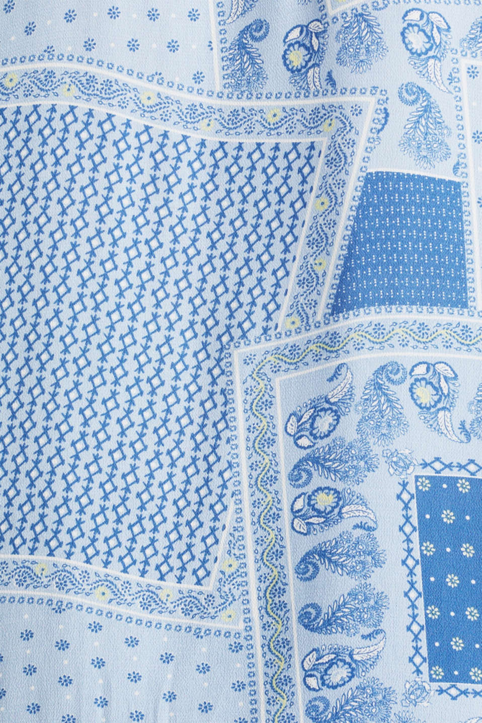 Blouse top in crêpe with a mixed pattern, LIGHT BLUE 4, detail image number 4