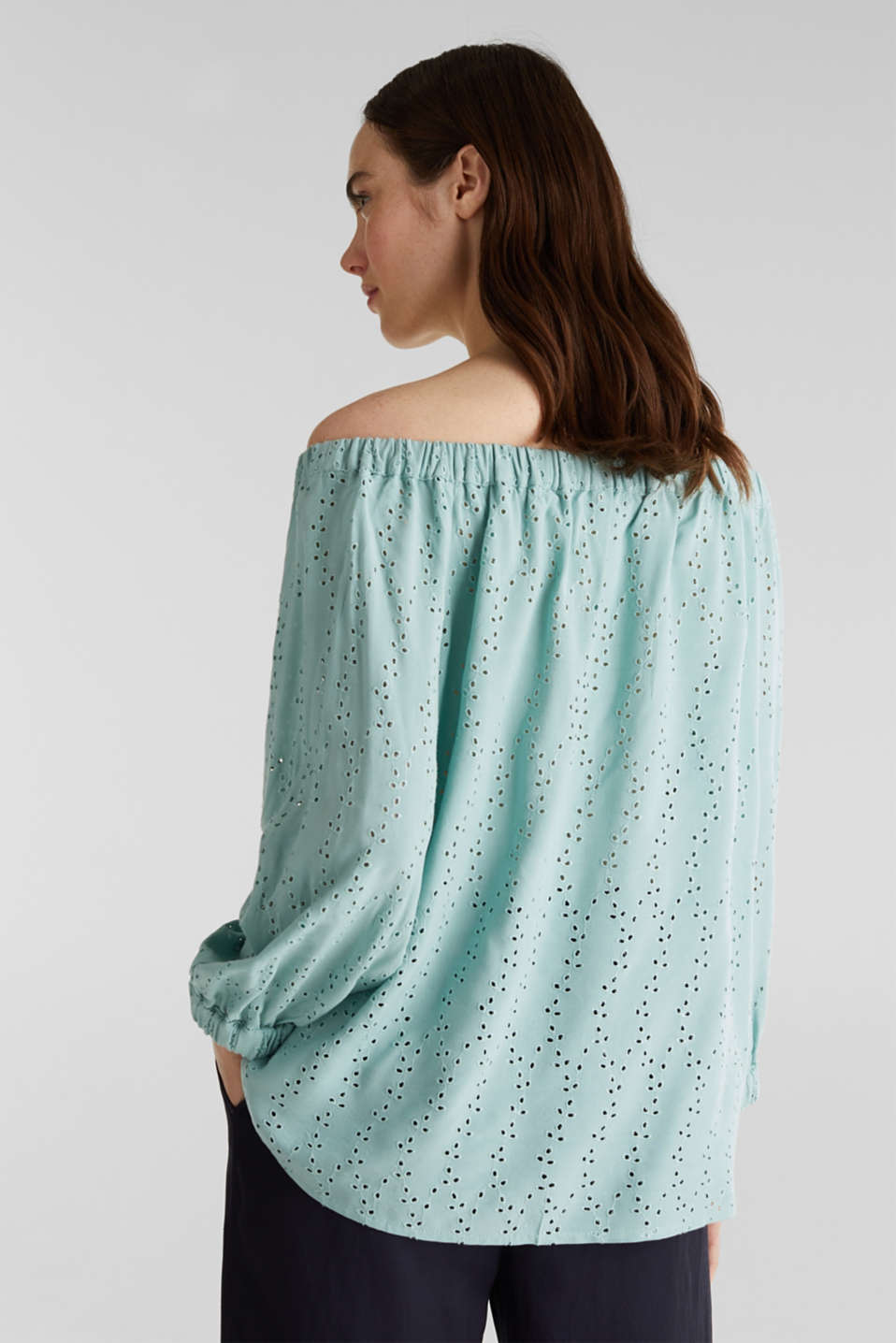 Carmen blouse with broderie anglaise, LIGHT AQUA GREEN, detail image number 3