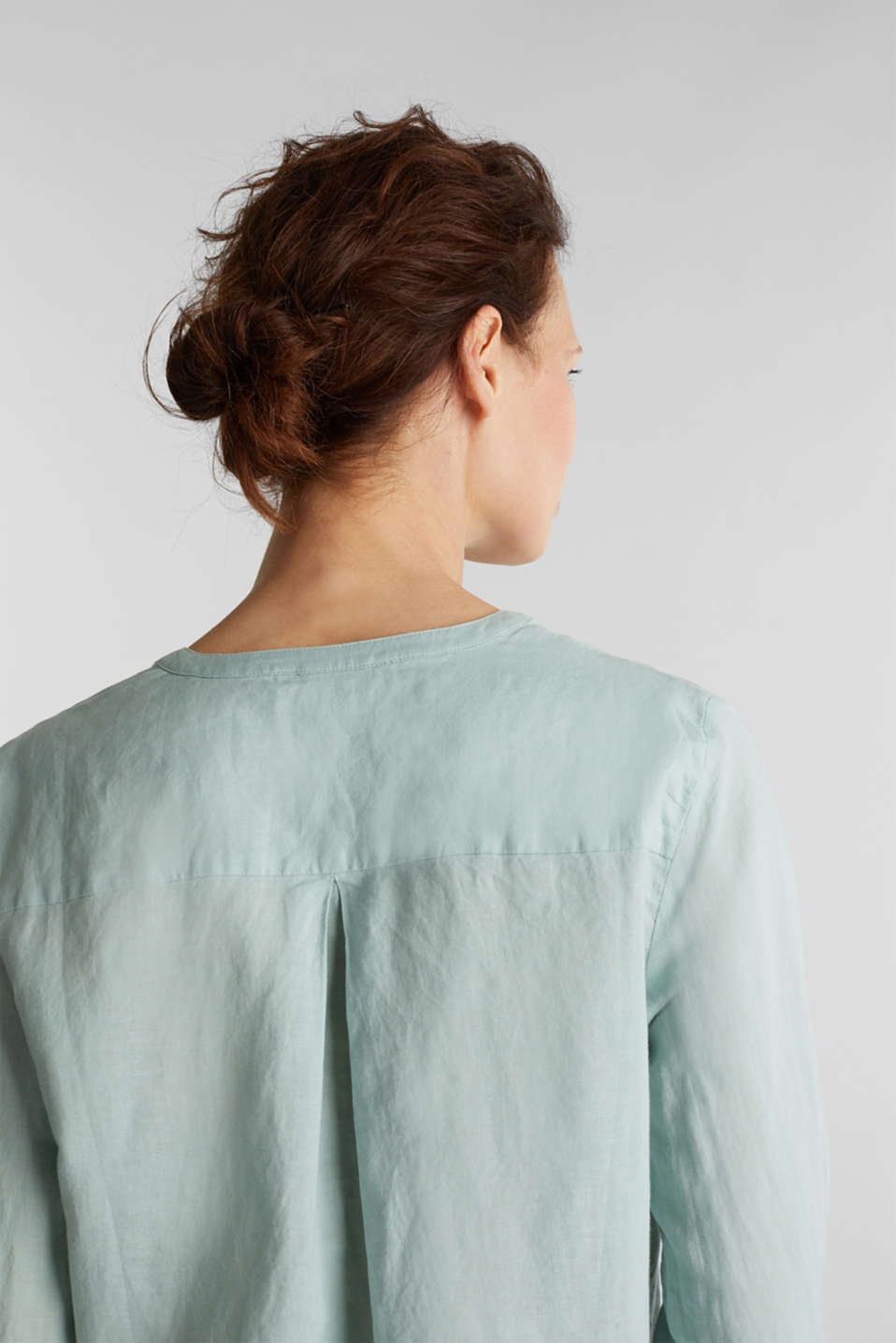 Turn-up blouse in blended linen, LIGHT AQUA GREEN, detail image number 6