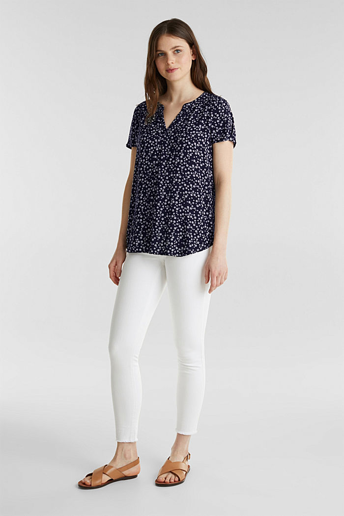 Print blouse with LENZING™ ECOVERO™, NAVY BLUE, detail image number 1