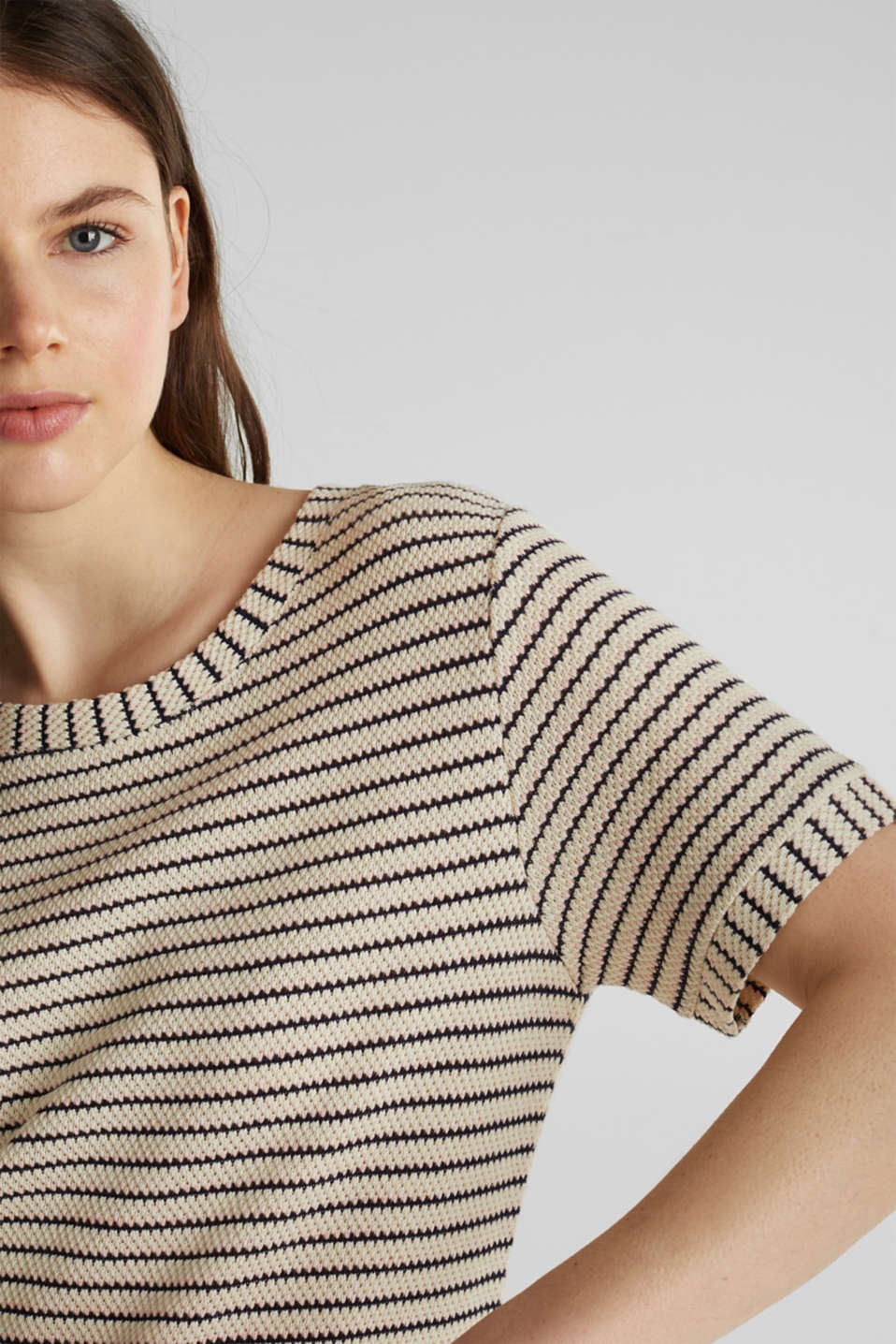 Top with textured stripes, SAND, detail image number 2