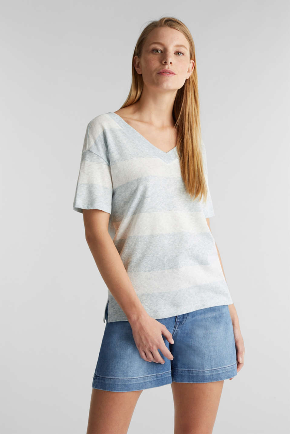 Blended linen: double V-neck T-shirt, LIGHT AQUA GREEN, detail image number 0